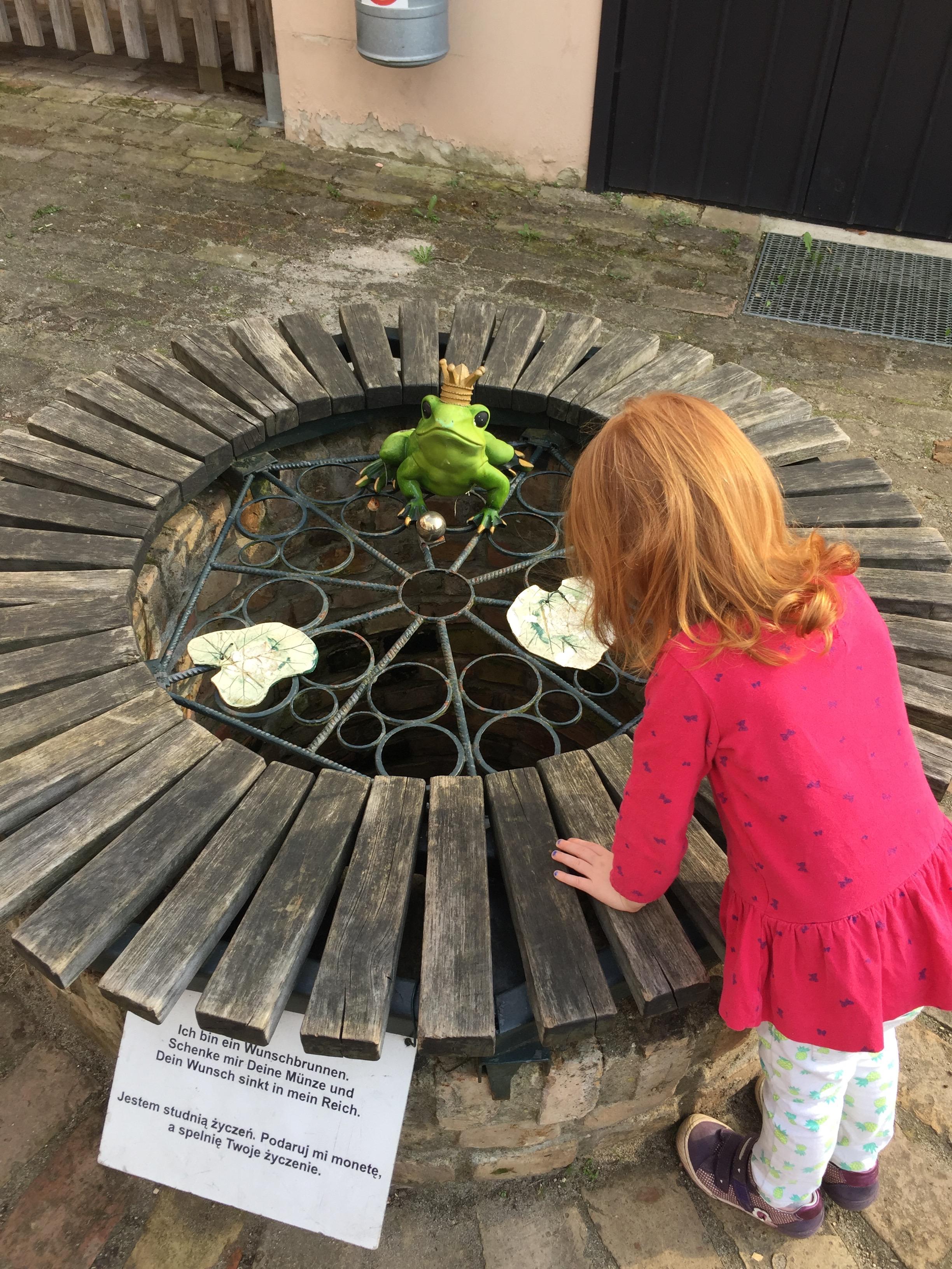 Märchenbrunnen auf dem Kinderbauernhof Mümmelmann